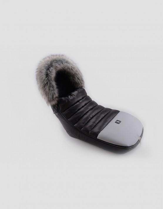 Cottonmoose Footmuff Alaskan Moose Schwarz - Graufarbenes Öko-Leder am Fussteil