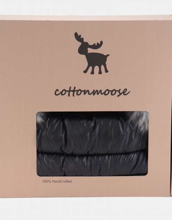 Cottonmoose Footmuff Alaskan Moose Schwarz - Naturfarbenes Öko-Leder am Fussteil