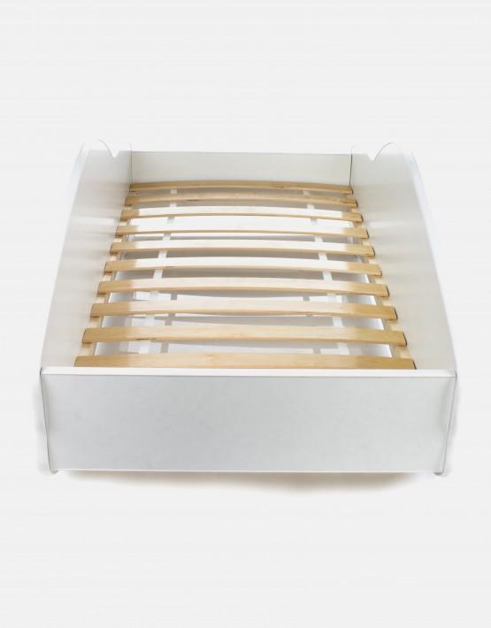 Auto-Kinderbett Nobiko mit Matratze und Lattenrost Grau-Schwarz mit weisser Beschriftung 13 140x70cm